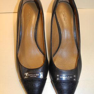 Coach Pumps - Black pointed toe leather heels